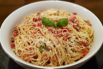 Angel-Pasta-with-Italian-Dressing-and-Fresh-Tomatoes